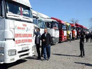 Gaziantep'ten Suriye'ye 16 TIR yardım malzemesi gitti