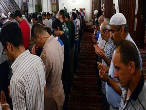 Zulüm altındaki Müslümanlara duayla destek oldular