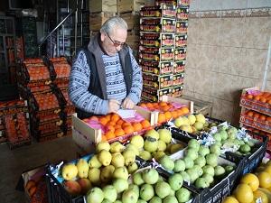İstanbul'a gelen meyve sebzenin yüzde 70'i kayıt dışı dağılıyor