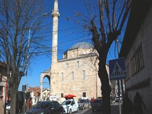 Müslüman Kosova'da ezan sesi kısıtlandı!
