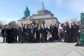 Kur'an kursu öğrencileri  Mevlana'yı ziyaret etti