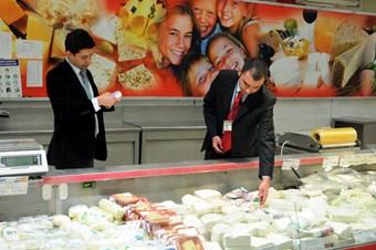 Adana Valisi Coş: Gıda denetiminde Türkiye birincisiyiz