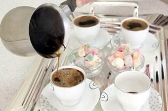 Tiryakilik 150 milyon dolarlık çay kahve ithalatı yaptırdı