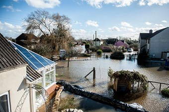 İngiltere'nin güneyi sular altında