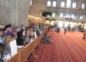Rus turistler İslamı cami ile tanıyor