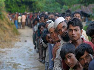 Arakan'da Müslümanların gözyaşları dinmiyor