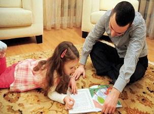 Yatmadan masal okunan çocukta ahlakî değerler gelişiyor