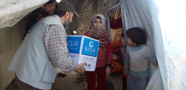Beşir Derneği'nden Suriyelilere yardım