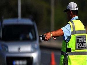 Alkollü araç kullanan ehliyeti unutsun!