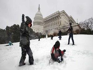 Washington beyaza büründü, okullar tatil