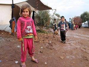 Adana'dan Suriyeli'lere yardım
