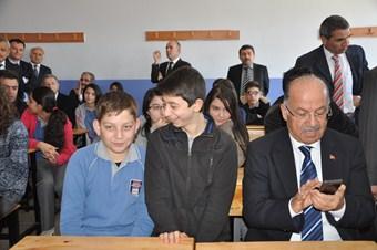 Fatih Projesi kapsamında 2 bin 885 tablet bilgisayar dağıtıldı