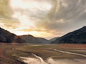 Dibi görünen barajlara son yağmurlar da çare olmadı