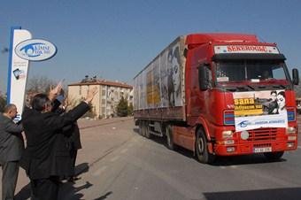 Kimse Yok Mu'nun Suriye'ye 50 TIR'lık yardımı dualarla yola çıktı
