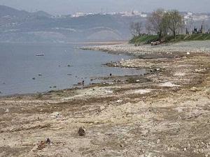 Sapanca Gölü'nde çekilme devam ediyor