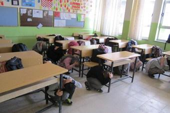Eflani'de öğrencilere deprem tatbikatı yaptırıldı