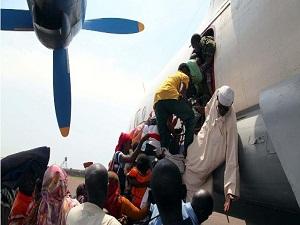 Orta Afrika'da Müslümanlar askeri havaalanına sığındı
