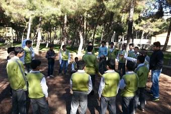 Suriyeli çocuklar savaş psikolojisini atmak için kampa girdi