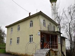 Miras anlaşmazlığı yüzünden 26 yıllık cami satılıyor