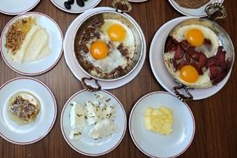 Tereyağı, yumurta ve kırmızı eti eksik etmeyin