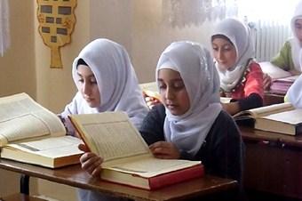 Kurs öğrencileri Kur'an'ı en güzel okumak için yarıştı