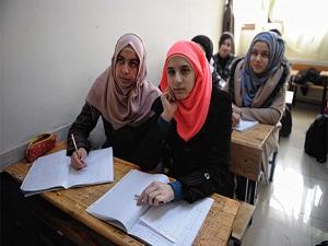Suriyeli çocuklar 'kumbara' ile okullarını ayakta tutmaya çalışıyor