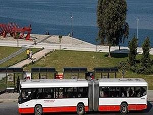 İzmir'de 65 yaş ve üzerine toplu ulaşım bedava oldu