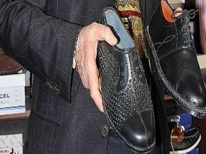 Lastik ayakkabılar hâlâ revaçta