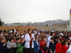 Öğrenciler Deprem Tatbikatında Heyecanlandı