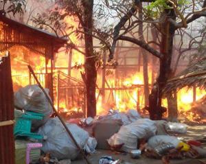 Myanmar'da Müslümanlara ait 50 ev kül oldu