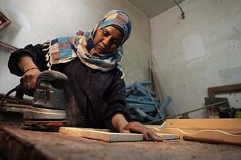 Gazzeli kadın marangoz