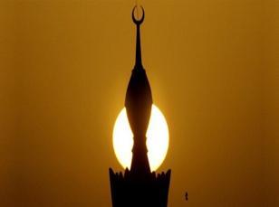 Çevresindekilerden etkilenerek Müslümanlığı seçti
