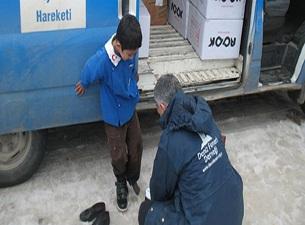 Deniz Fenerinden Suriye'ye giysi yardımı