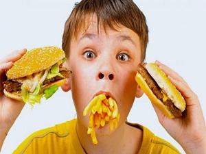 Çocuklarınızı katkılı yiyeceklerden uzak tutun