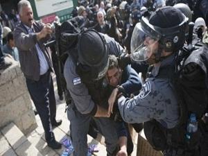 İsrail, Filistinli 3 İtfaiyeciyi Gözaltına Aldı