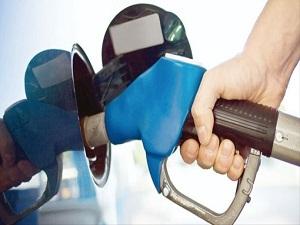 Benzin ve motorin indirimi uygulamaya girdi