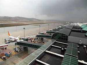 İzmir Terminali'nden uçuşlar başladı