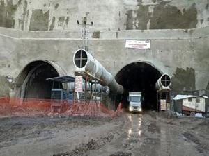 Ordu Çevre Yolu Tünellerinin İlk Etabı Açıldı