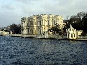 İstanbul sarayları ve camileri risk altında!