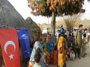Pakistan'daki Kıtlık Bölgesine Kimse Yok Mu'dan Yardım Eli