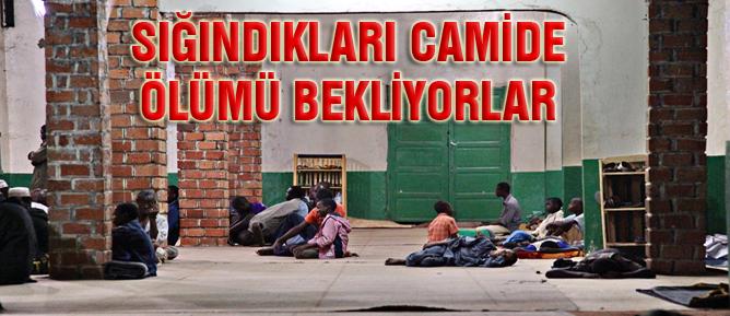 Sığındıkları camide ölümü bekliyorlar