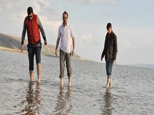 Soğuğa rağmen Tuz Gölü'ne büyük ilgi