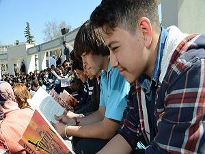 Öğrenciler Okuma Saati'nde buluştu