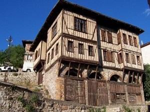 Göynük'ün tarihi evleri restore ediliyor