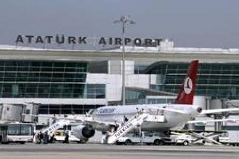 Uygur Türkleri 17 gündür havalimanında bekliyor