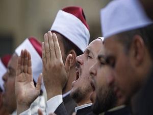 Cunta, 12 bin imamı görevden aldı