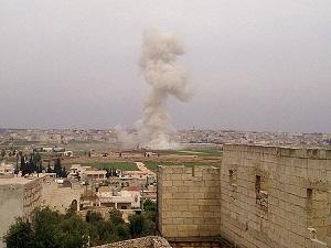 Suriye'de pazar yerine hava saldırısı: 20 ölü
