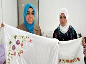 Mülteci kadınlar meslek sahibi edindiriliyor