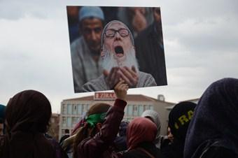 Kocatepe Camii önünde Mısır'daki idam kararı protesto edildi