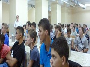TİKA'dan Makedon öğrencilere burs